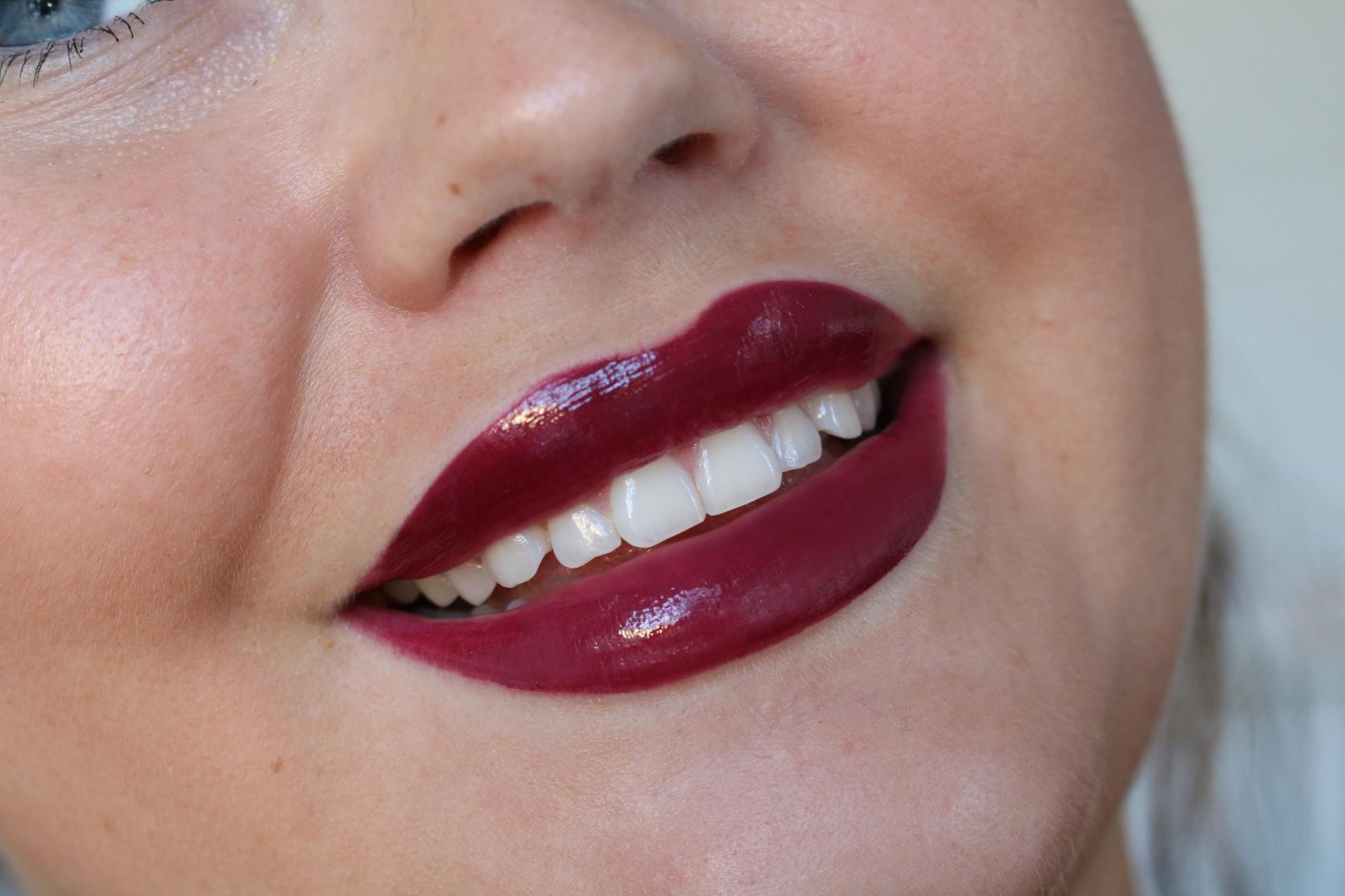 Anastasia Beverly Hills favoriter läppglans, kicks, amandahans, skönhetsblogg, skönhetsbloggare, tips, smink, inspiration, liquid lipsticks, venom, gilded, dainty, swatches