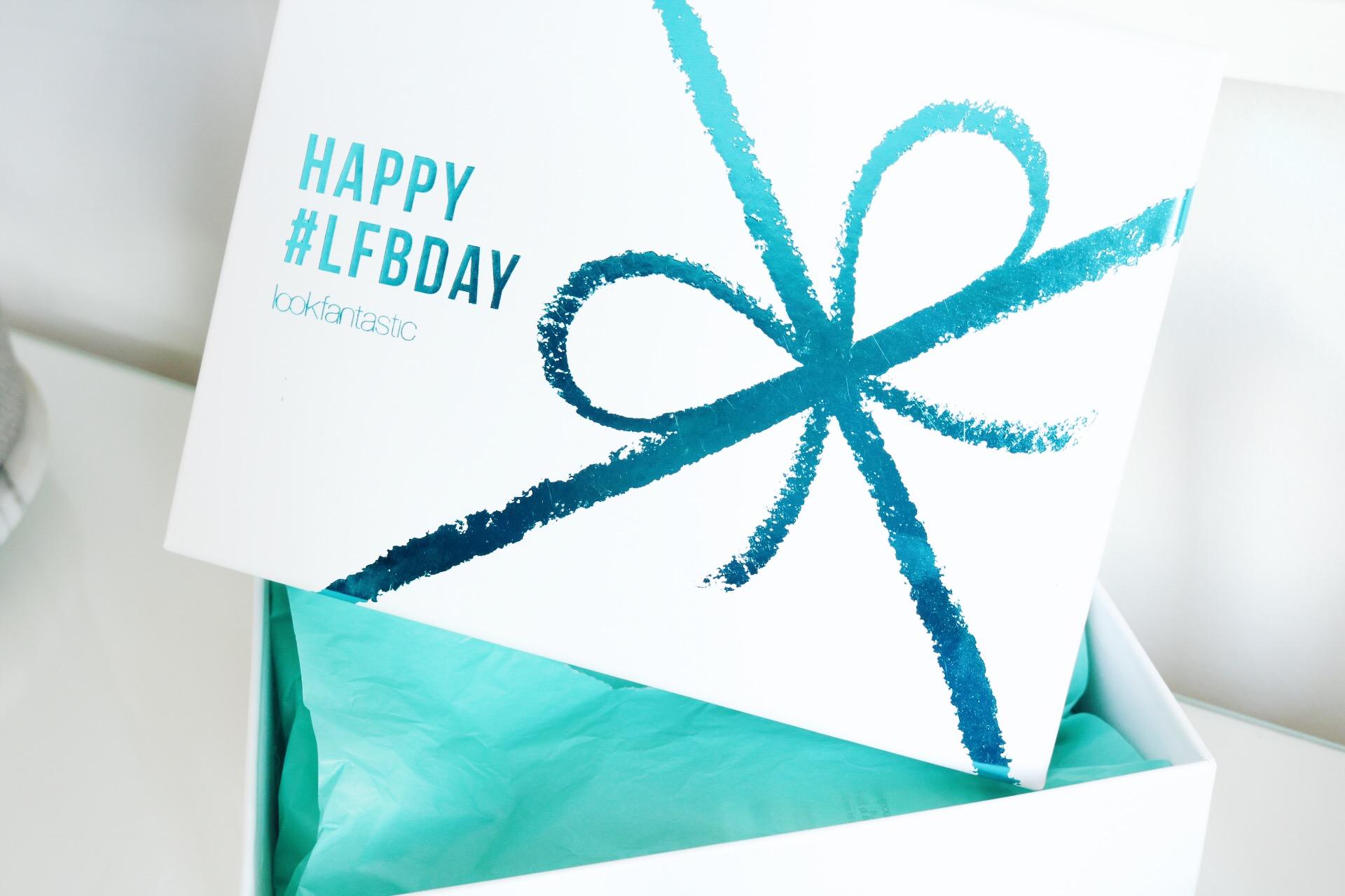 Lookfantastic September Beauty Box, amandhans, skönhetsblogg, beautyblogg, test, samarbete, pressutskick, bareMinerals, Bliss, prenumerationsbox, prenumerationstjänst, skönhet, hudvård, hårvård, makeup, smink
