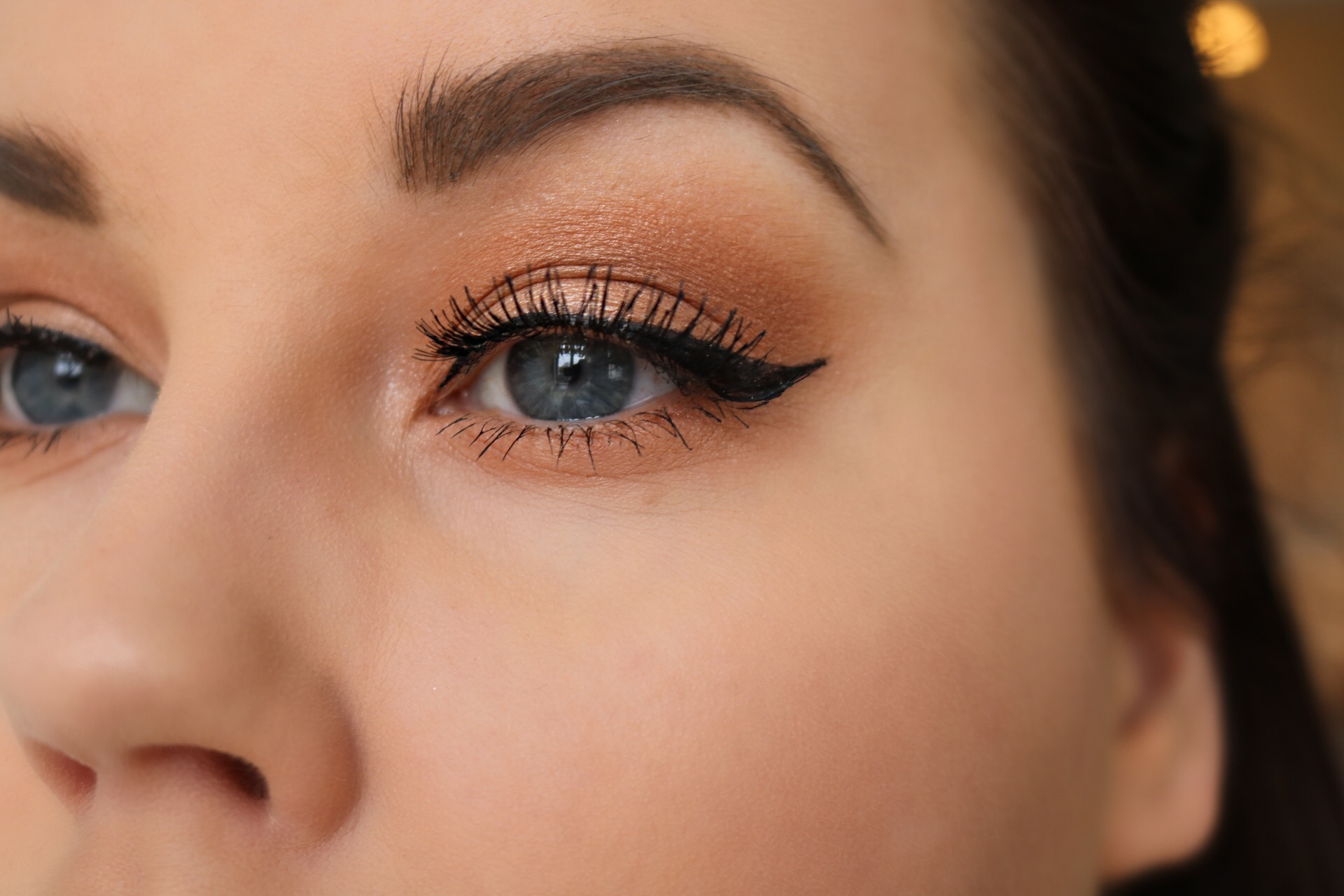 Smokey orange sotning med Anastasia Beverly Hills eyeliner winged