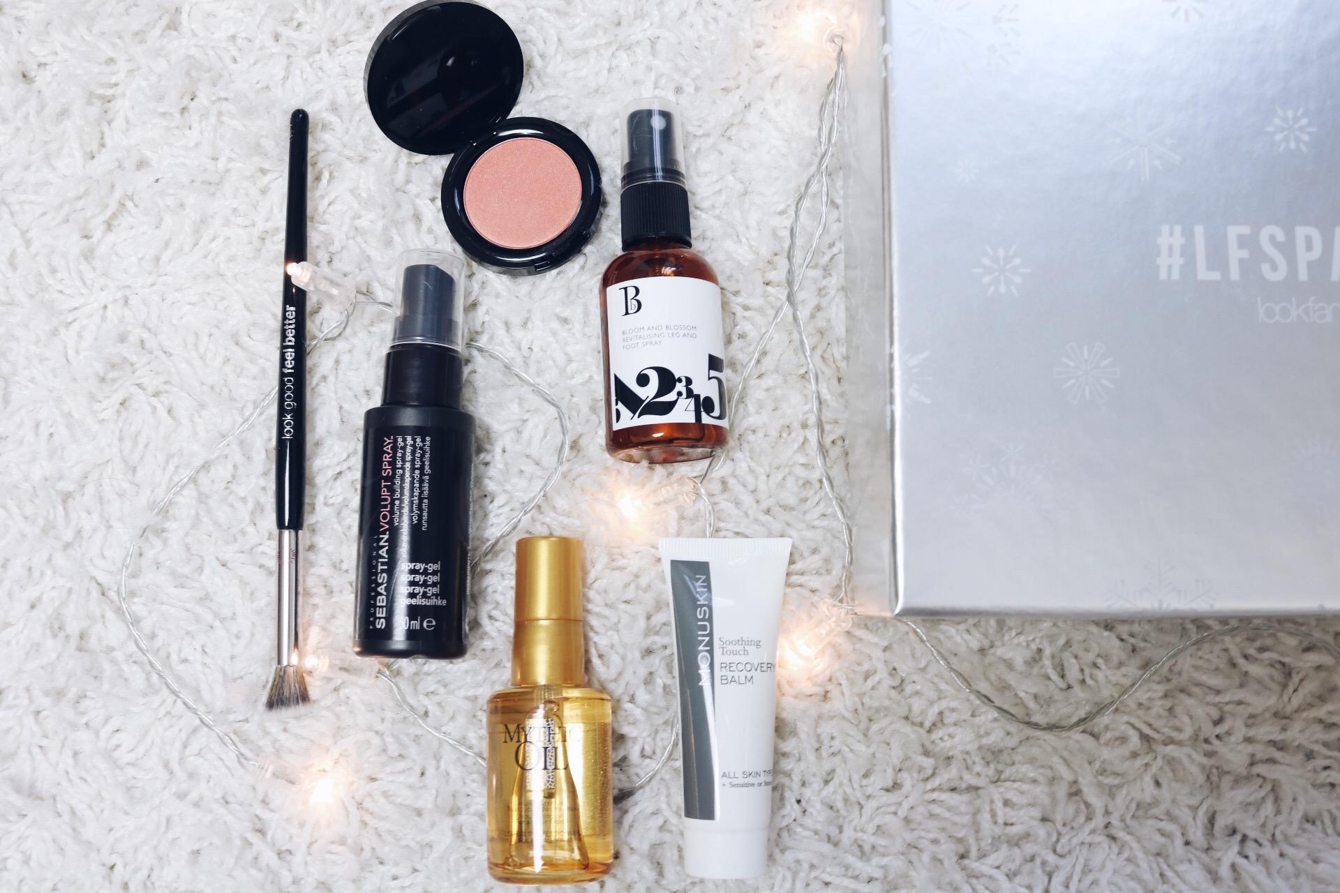 Lookfantastic November skönhetsbox LFSparkle amandahans skönhetsblogg skönhetsbloggare prenumerationsbox glossy box lookfantastic.se bästa amanda