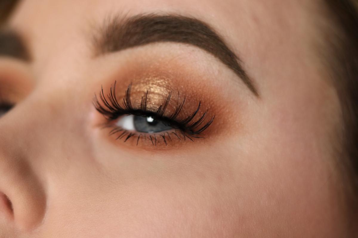 Amandahans, skönhetsblogg, Vardagssminkning, Depend, Depend lösögonfransar, Depend Rebecka, bronzing sminkning, vardagssminkning, festsminkning, maybelline ögonskugga,