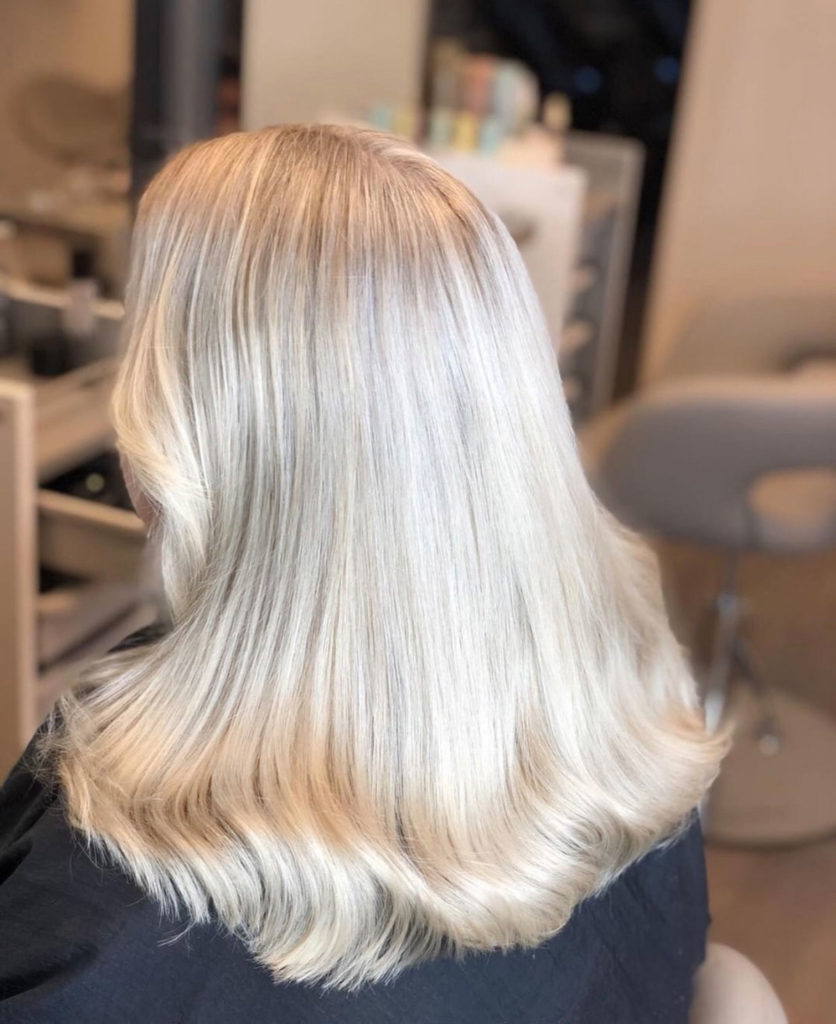Kall blond med gardinlugg på Epic Hair i Malmö Skönhetsblogg Amandahans